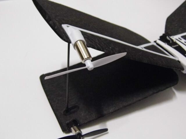 Review: Parrot Swing, mini drone cuadricóptero que se convierte en avión 12
